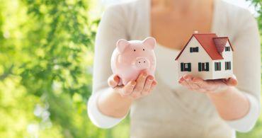 Bydlete ve vlastním, dokud jsou levné peníze